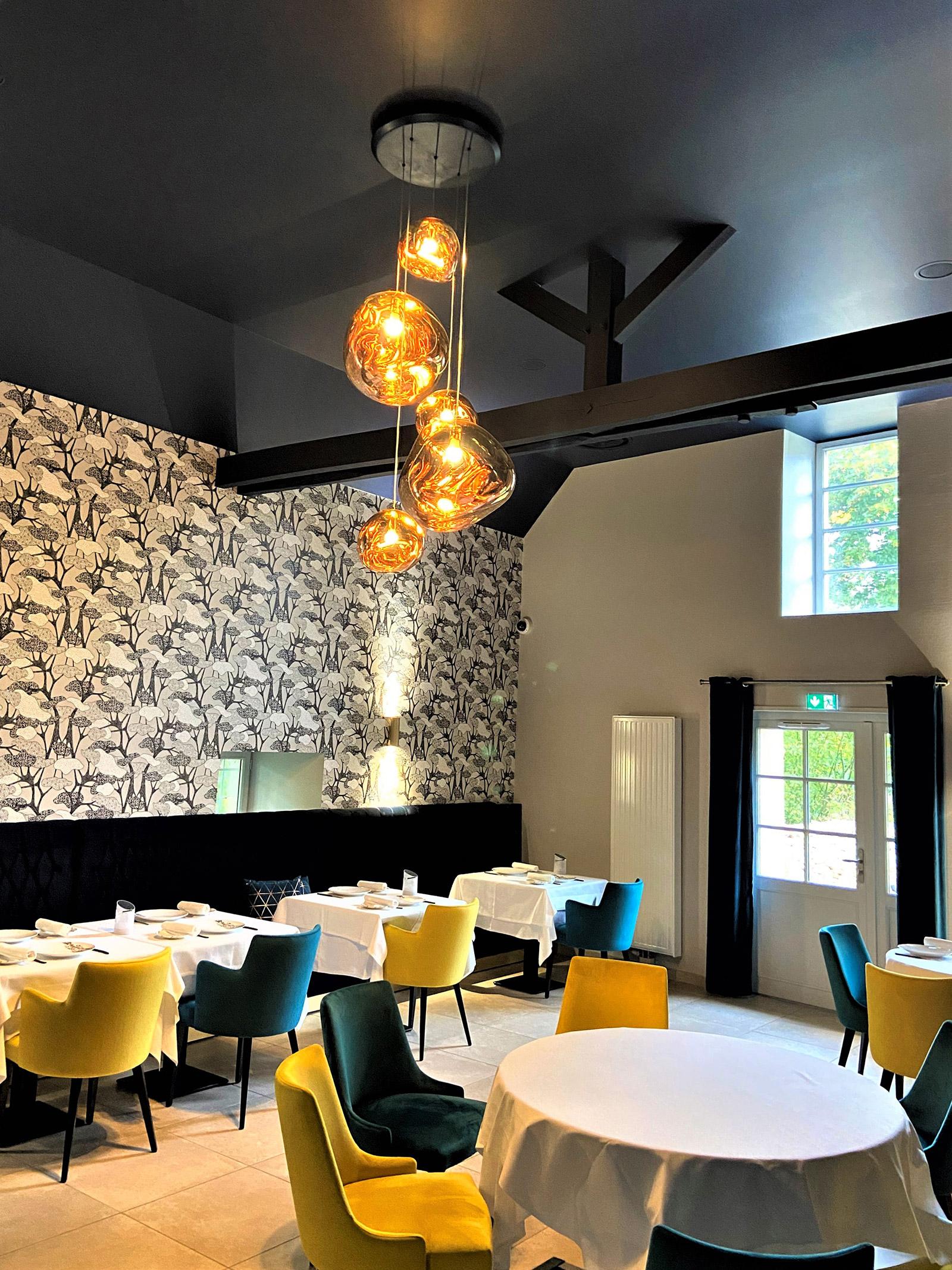 slide-Restaurant-Dorangeville—Ainay-Le-Chateau-(1)